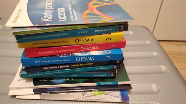 Podręczniki biologia chemia liceum