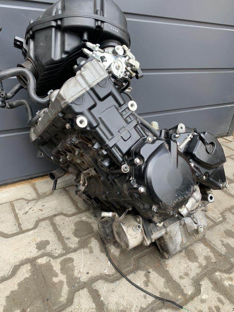 Silnik Suzuki Gsr 600