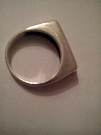 Pierścionek srebrny z cyrkonoami 14