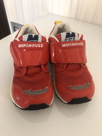 Продам фирменные детские кроссовки Miki House( Япония)