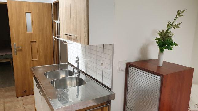 Noclegi -ciepłe mieszkanie z całym wyposażeniem