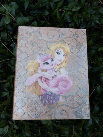 Szkatułka w formie książki z księżniczką Disney