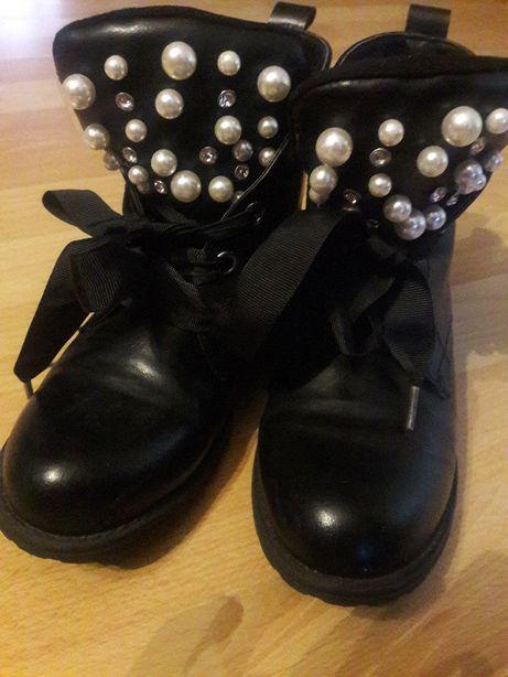 Buty botki dziewczęce.