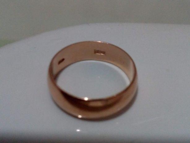Золотое обручальное кольцо 583 пробы, 5,41 гр., размер 19,7