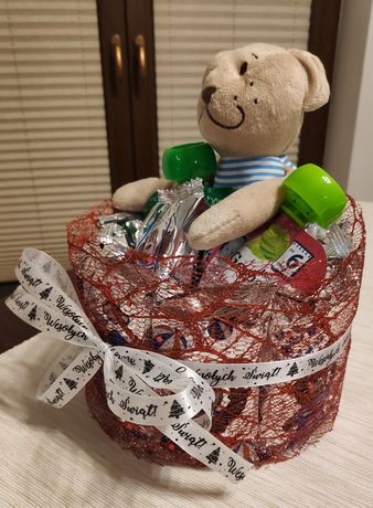 Słodki prezent, urodziny, dla dzieci, słodki tort z Lubisiów i musów