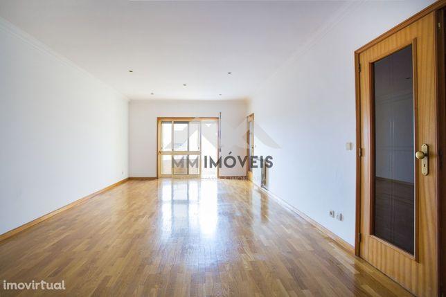 Apartamento T3 | Altos Da Maia | Box 2 Carros | Varandas