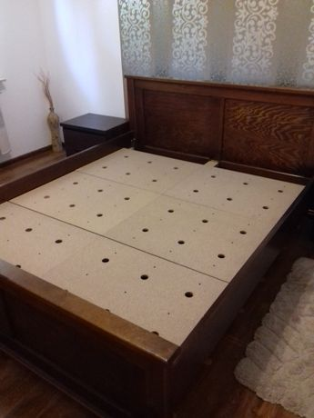Sprzedam drewniane łóżko