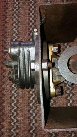 Zabytkowy Stary zeliwny kompresor tłok mechanizm