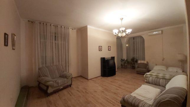 Долгосрочная аренда двухкомнатной квартиры в Черноморске. Новострой.