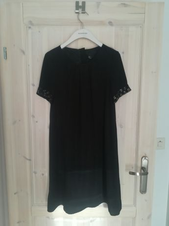 Czarna sukienka z ozdobnymi rękawami krótkie rękawki H&M