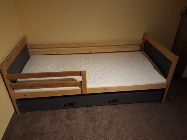 Łóżka dziecięce 2sztuk.