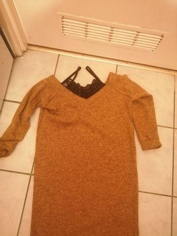 Sweter z koronką