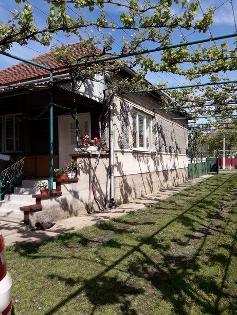 Продаж будинку