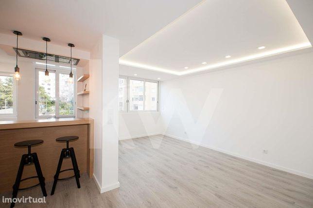 Apartamento T2 em São Domingos de Benfica com remodelação de luxo