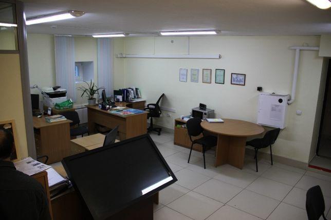 Оборудованный офис 18 м2 ремонт ОЦ в Центре Киева Фасад м.Голосеевская