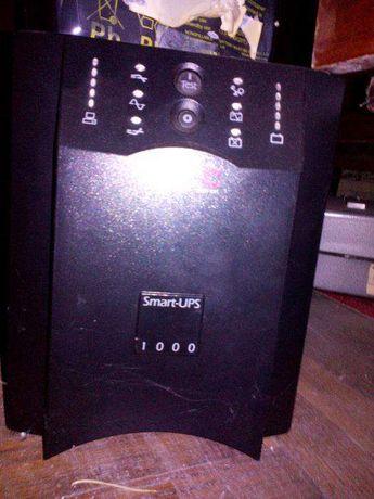 Блок безперебійного живлення APC Smart-UPS 1000VA USB