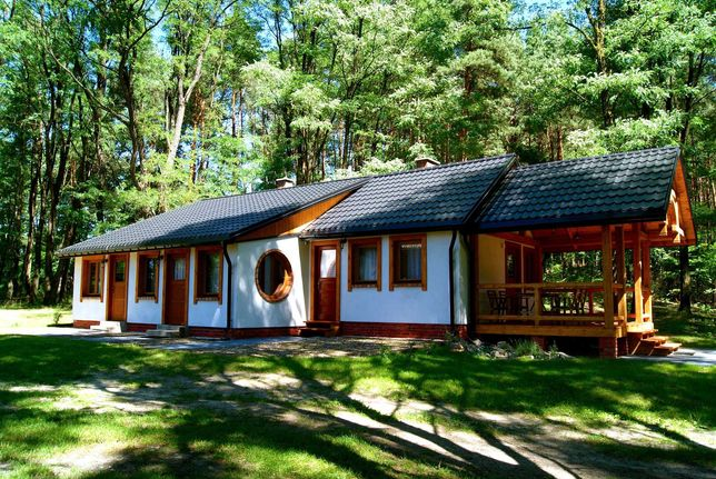 komfortowy pokój 2 os z kominkiem łazienką kuchnią w domku pod lasem