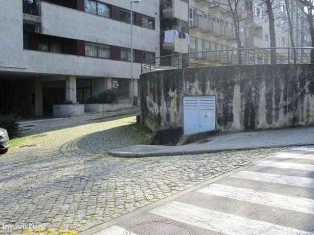 Loja  Venda em Urgezes,Guimarães