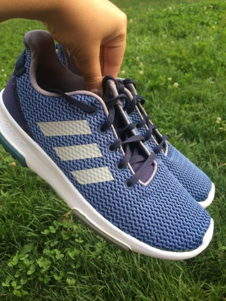 Отличные спортивные кроссовки от adidas