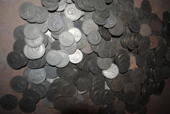 До пів тисячі рублів СРСР. Руб, рубль металевий.