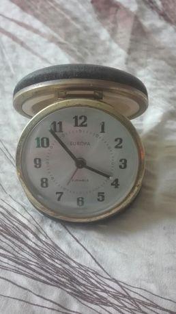 Zegar z budzikiem nakręcany