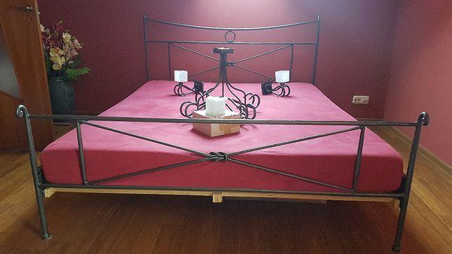Zestaw do sypialni, Łóżko 160x200 kute + żyrandol + 2 kinkiety