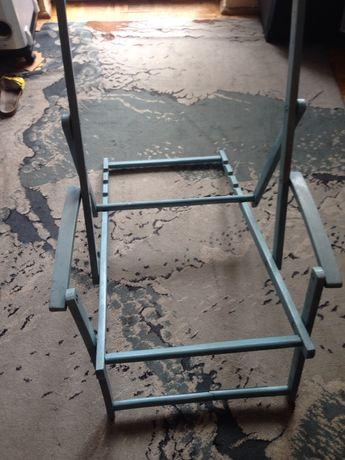 lezak drewniany prl drugi metalowy niebieski