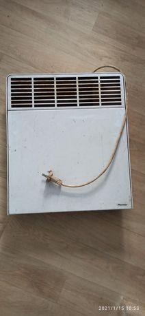 Grzejnik elektryczny z termostatem.