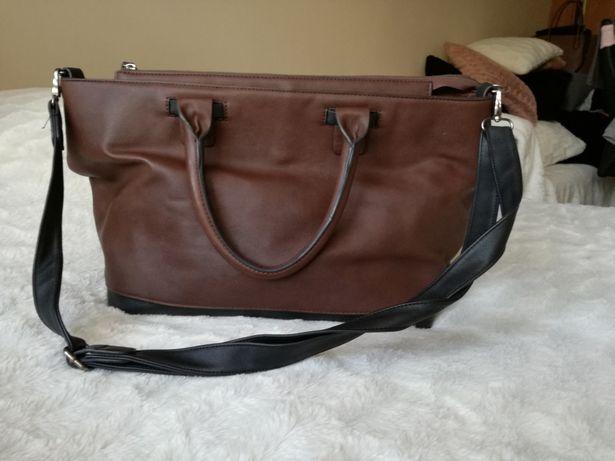 Brązowa torba z paskiem