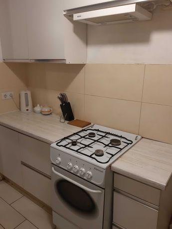 Сдам свою 2 комнатную квартиру рядом с Севастопольской площадью