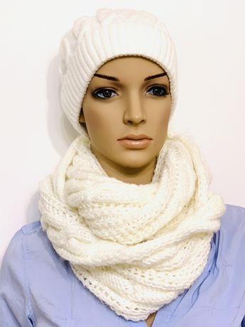 Зимняя белая шапка и шарф