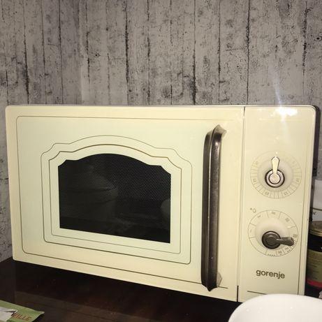 Продаем микроволновую печь!