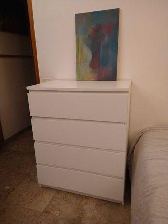 Cómoda Ikea MALM com 4 gavetas - branca