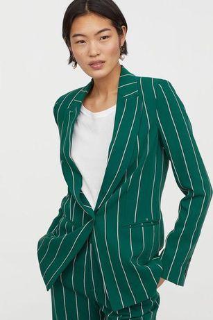 Fato verde com riscas brancas H&M