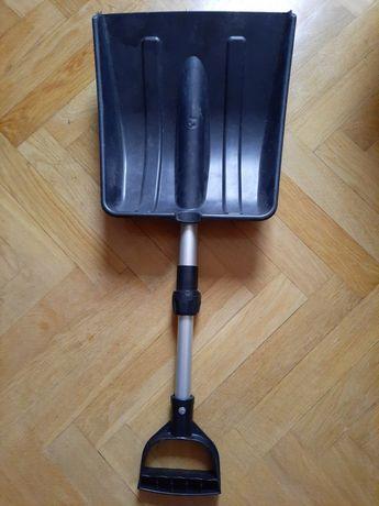 Лопата для уборки снега пластиковая телескопическая.