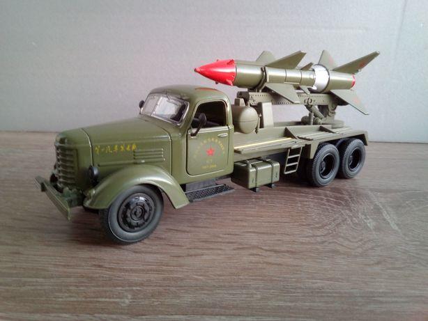 Коллекционная модель ЗиС-151 ракетная установка