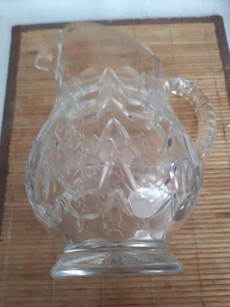 Przedwojenny dzbanek kryształowy za darmo