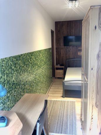 Słoneczny pokój z balkonem tuż obok USK  1 p. bez dopłat,TV