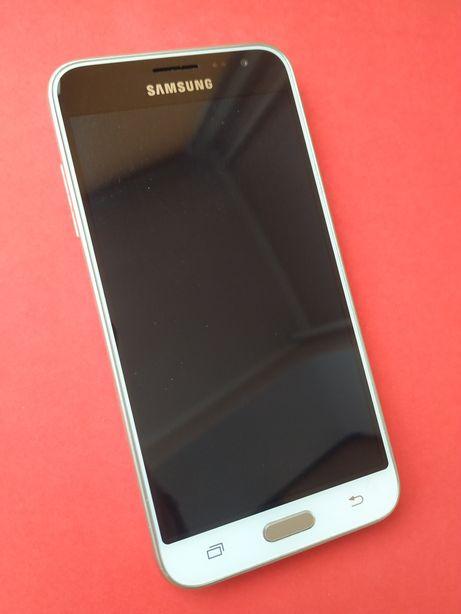 Смартфон Samsung J3 J320H золотистый