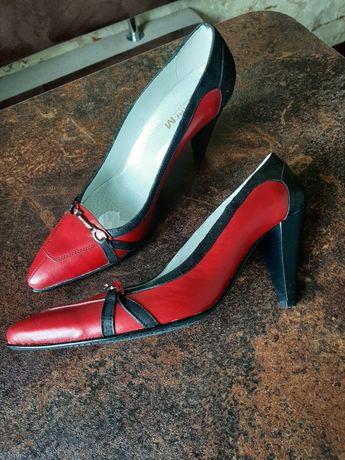 Туфли. босоножки