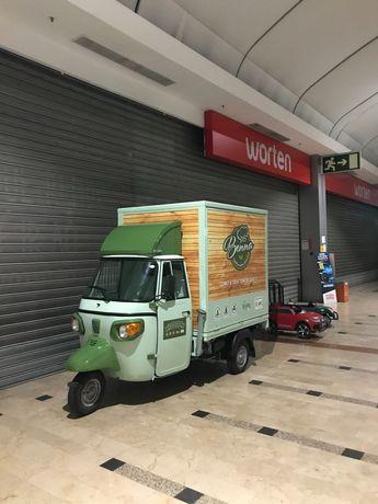 Piaggio Ape Food Truck com atrelado