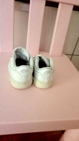Nike Air force de bebé em bom estado N 18'5