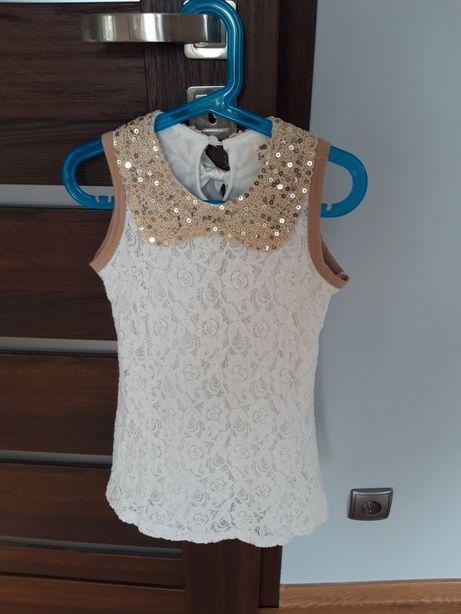Sukienka koronkowa ze zlotym kołnierzykiem