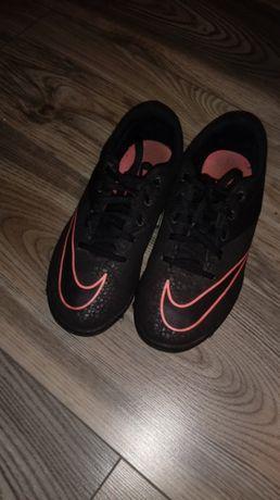 Nike roz.36