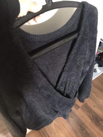 Sweter czarny uiwersalny