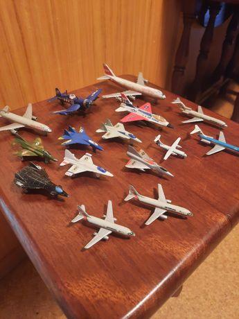 Coleção de miniaturas de aviões