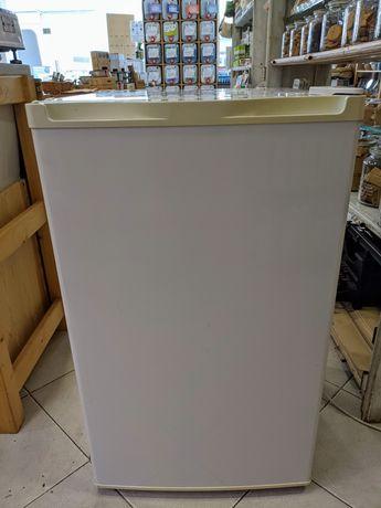 Mini frigorífico com congelador a metade do preço