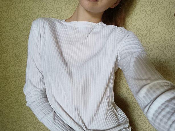 Белая кофточка с длинным рукавом