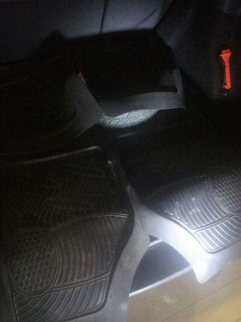 Коврик резинові на авто