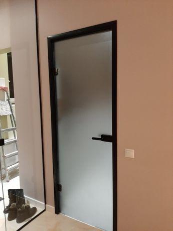 двері скляні, перегородки.